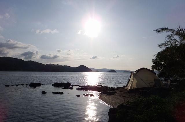 【無人島通信】1日のシメはドラム缶風呂。夏の思い出、子どもキャンプ
