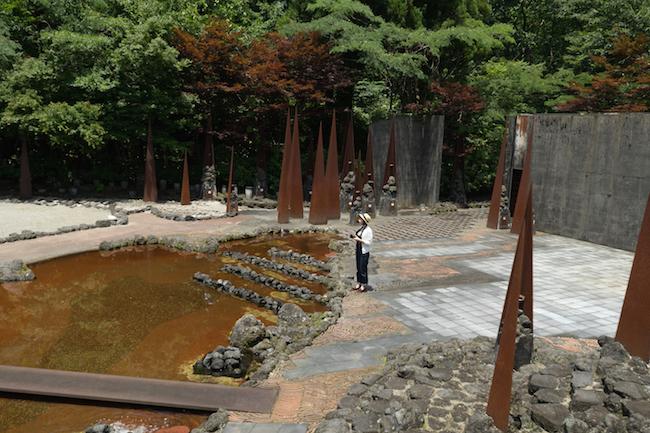 地獄の世界へようこそ。富山、秋のオトナ女子旅は美と恐怖の芸術探検