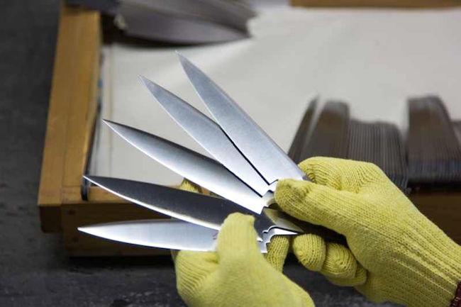 こんな包丁初めて… 刃物 のまち・ 関 市の伝統、海外企業も頷く鍛冶技術