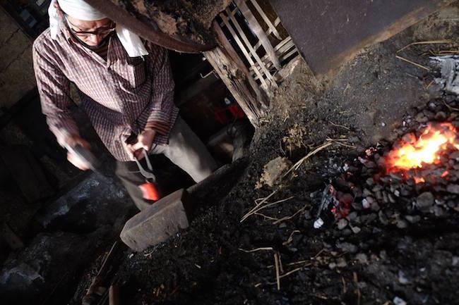 消えゆく野鍛冶を守れ!取り壊し直前の小屋から伝統仕事を未来に伝える