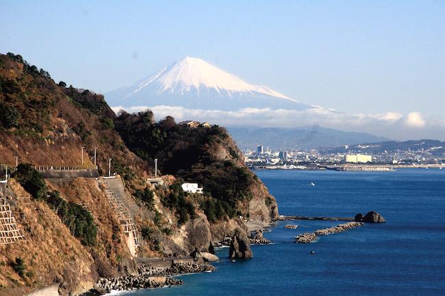 アナログなのに最先端!?外国人人気急増の静岡県制作、温泉マナー動画