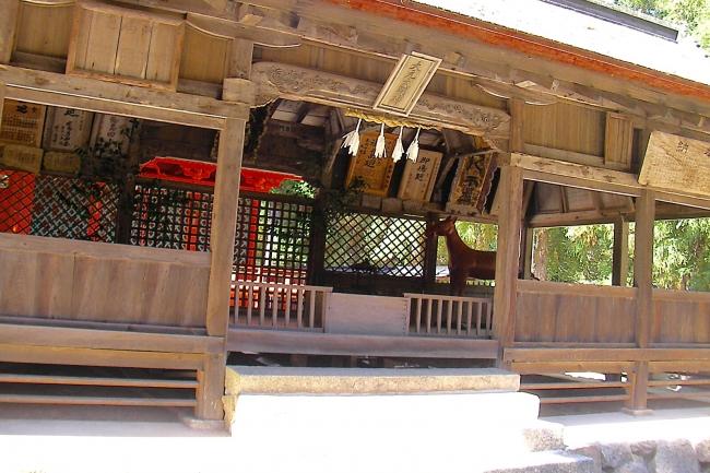 創建は「厳島神社」よりも前。神秘の謎に包まれた宮島最古の神社へ