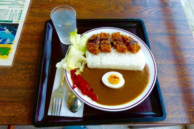 知る人ぞ知る巨大建造物グルメ。埼玉県秩父市の浦山ダムカレーを食す