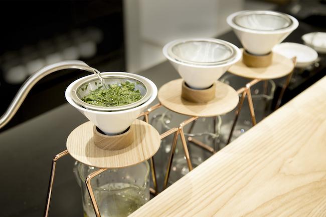 世界初ハンドドリップで淹れる日本茶専門店『東京茶寮』が登場
