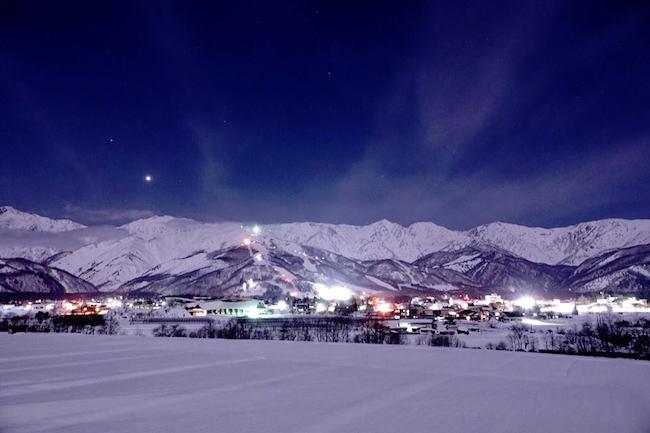 長野県・白馬村の夜景が「息をのむほど美しい」と話題に