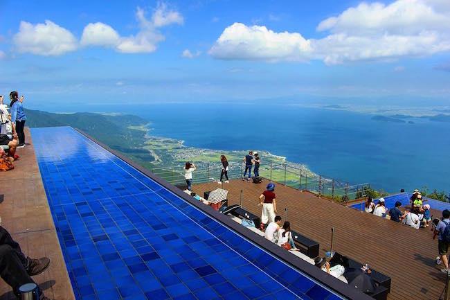 琵琶湖を一望できる「びわ湖テラス」が大人気!