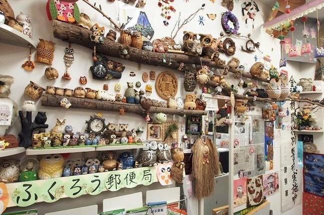 1600羽のフクロウが待つ、和歌山の名所「行列のできるパワスポ郵便局」
