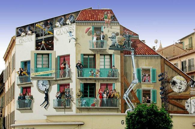 【海外の町おこし】街中をハッピーにするフランスのトリックアート