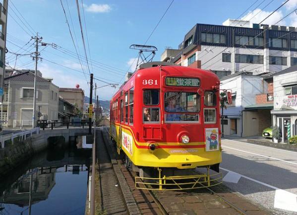 今もなおレトロな雰囲を残す長崎の街。その象徴とも言えるのが、市内を走る「チンチン電車」こと「路面電車」達です。日本一安い電車としても有名な長崎の路面電車は今なお、市民の足として愛され続けています。今回は、そんな路面電車で行ける長崎の名所をご紹介します。