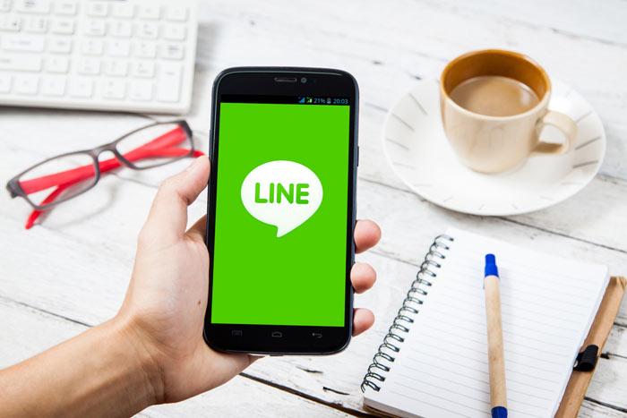 LINEの強みと儲けのしくみ 上場控え、立ち入り検査の影響は=栫井駿介