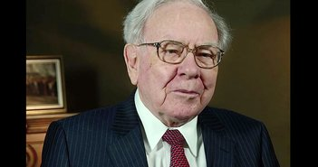 180515Warren_Buffett_eye