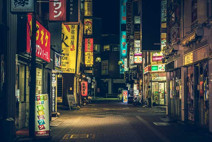 外国人観光客の不満「日本の夜はつまらん」を解決する秘策はあるか?=街