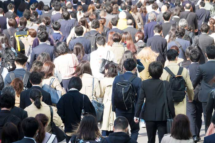 中国に負けて始まった日本のデフレ説。安い中国製品対抗で日本に賃金格差か=吉田繁治