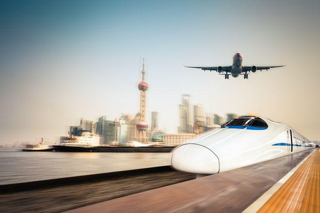 【高城剛の観光論】神戸まで片道280円の立ち乗り飛行機で日帰り旅行