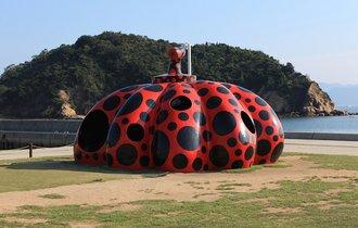 島ごとアートで人気の「直島」が、世界の富裕層をしらけさせるワケ