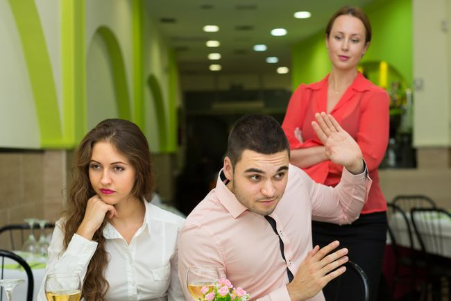 「妻とは別れる」で不倫した女性が、逆に慰謝料を請求されるリスク