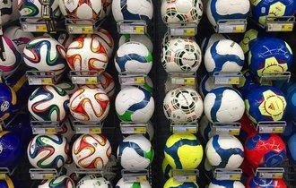 なぜスポーツショップは店全体に所狭しと商品が並んでいるのか