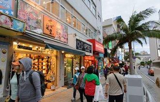 「爆買い」に湧く沖縄が、それでも「中国」を断らないといけない裏事情