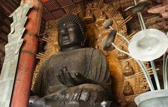 日本人の「仏教離れ」、その原因は時代遅れな戒名代?