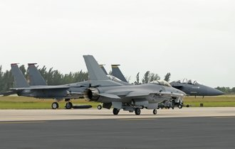 沖縄が中国のミサイル射程圏内に。米シンクタンクの「中国脅威論」
