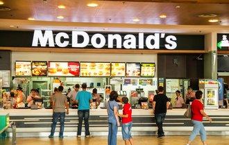 史上最大赤字のマクドナルドが、33ヶ月ぶりに黒字を出した新戦略とは?