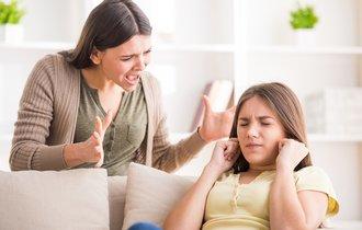 すぐ声を荒げる上司を尊敬できないように、そんな親は子に尊敬されない