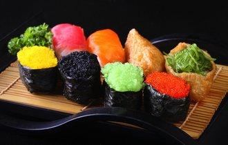 どうしてこうなった。海外のトンデモ「和食」に日本政府が喝