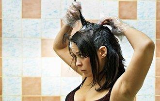 白髪染めがアブナイ。「皮膚障害」急増で髪が抜け落ちる人も―消費者庁