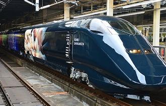大きな話題を呼んだ漆黒の『現美新幹線』の内部が公開!芸術的な各車両に魅了される!