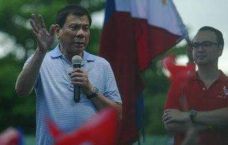 フィリピン「暴言」大統領に忍び寄る、中国の黒い影
