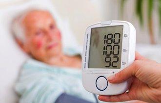 「低血圧=健康」ではない。元気な老人を減らす、誤った2つの習慣