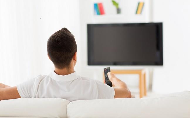 テレビを長時間見る人は、「エコノミー症候群」のリスクが ...