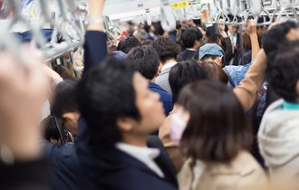 「日本人が働けば働くほど国が滅びに向かう」というパラドックス