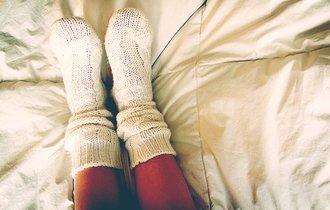 冷え性だから「靴下を履いて寝よう」…これすぐヤメてぇ!