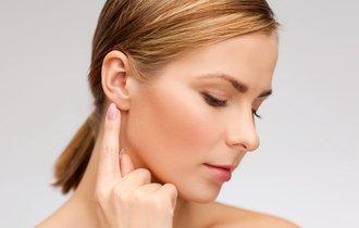 つまむなら鼻より耳を。押せば効く耳ツボと叩けば効く足裏刺激法