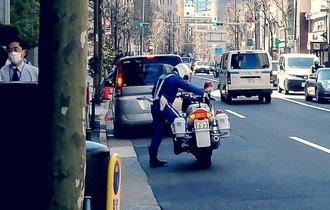 白バイ隊員が明かす、違反ドライバーとの間にある「1分間の駆け引き」