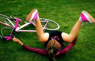 ヘルメット被ってる? 他人事では済まない「自転車事故リスク」