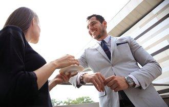 なぜお茶を入れてくれる社員を大事にする会社の業績は伸びるのか