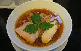 【新井薬師前】ラーメン官僚がハイレベルなスープと断言した、中野の醤油ラーメン【久仁衛】
