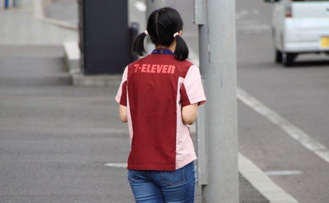 コンビニから消える「日本人アルバイト」。外国人40%の地域も