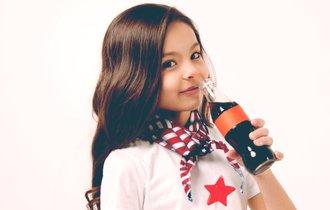 子どもが炭酸飲料やコーヒーを飲んでも体に悪影響はない?