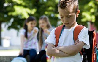いじめを解決する気のない学校に突きつけるべき「二つの文書」