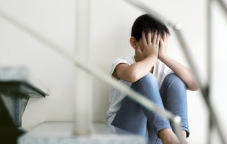 守れるのはあなただけ。子供が自殺前に見せる「7つの前兆」