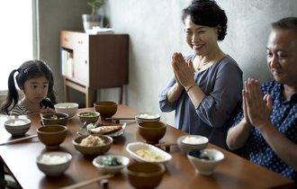 深い意味を持つ「いただきます」の習慣、歴史は浅く昭和に定着か
