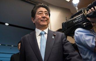 安倍首相も小池氏も。政治家が選挙戦で「国益」を語らない理由