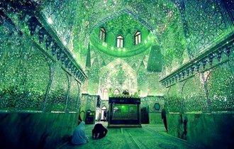 イスラム教徒のみが入る事を許される霊廟が息を呑むほどの美しさ