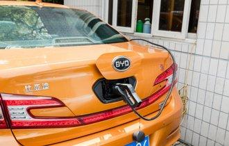 トヨタも焦った。中国EVの「一人勝ち説」は本当か?