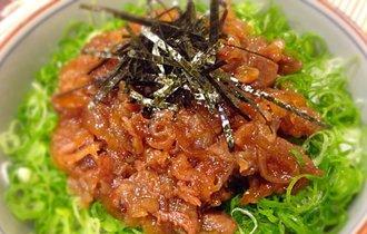 料理サイトで人気No.1。料理人が教える牛肉と玉ねぎのしぐれ煮丼